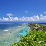 東平安名崎の青い海と雲