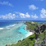 青い海にのびる岬・東平安名崎