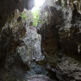 洞窟と光-ヌドゥクビアブ