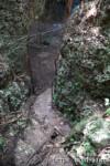 洞窟へ降りる階段-ヌドゥクビアブ