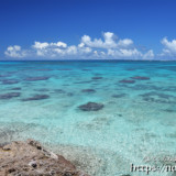 ムスヌン浜のサンゴ礁の海
