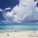 フナクスビーチと入道雲