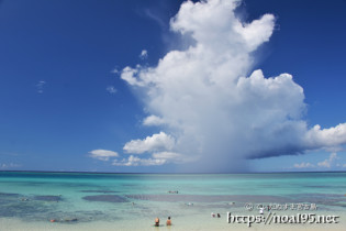 入道雲と雨のカーテン-フナクス-