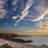 夕暮れのビーチと雲