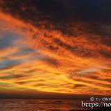 赤く燃える雲