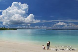 パイナガマビーチに現れた巨大な入道雲