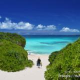 砂山ビーチの青い海