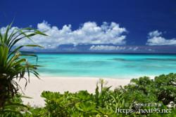 透き通った青い海-砂山ビーチ-