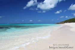 波音だけが響く静かなビーチ-長間浜-
