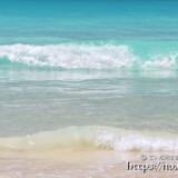 打ち寄せる波-渡口の浜-
