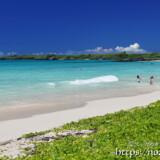 真夏のビーチ-渡口の浜-