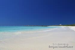 どこまでも続く白い砂浜-渡口の浜-