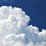 もくもくと成長する入道雲